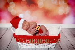 babys first christmas photos
