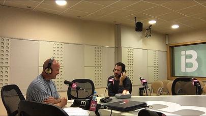 Estudios IB3 Radio. Entrevista al escultor Gaston Luciano Bonanno.