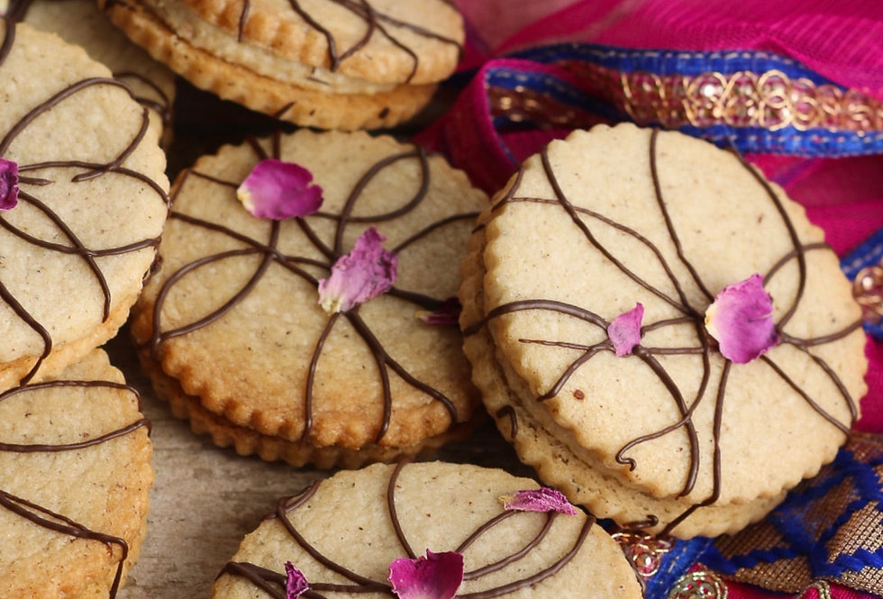CHAI SANDWICH COOKIES WITH PARLE-G ICING DESSERT KIT BY MILK & CARDAMOM