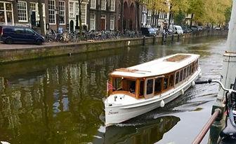 Amsterdam%20Boat%20-%20V_edited.jpg
