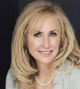 Lori McNee Portrait.jpg