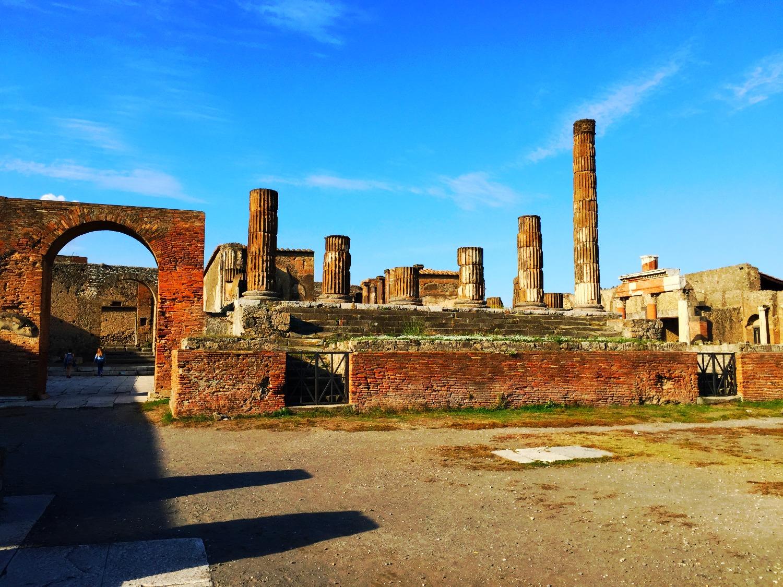 Pompeii Arch_edited