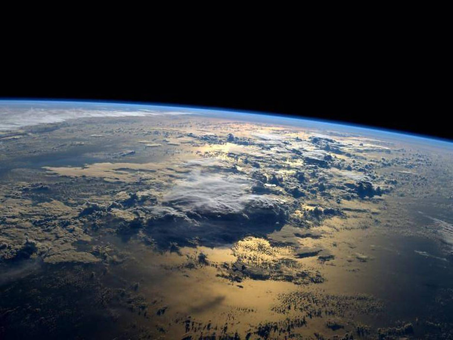 Earth w:Expanse and Clouds.jpg