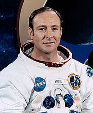 Edgar_Mitchell_cropped.jpg