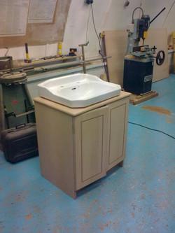 bespoke-sink-cabinet