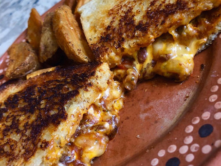 Grilled Chili Cheese Sandwich