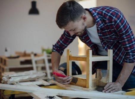 Dica da Noemia: Faça você mesmo: como pintar e restaurar móveis de madeira