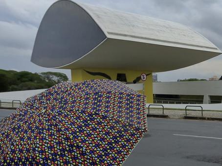 Em três dias, Curitiba acumula 65 milímetros. Previsão segue com chuva
