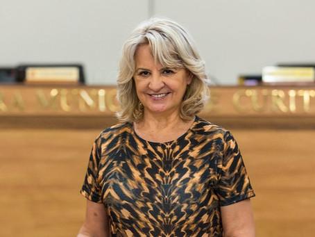 Vereadora faz requerimentos para a prefeitura