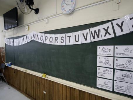 Em Curitiba, 65% voltam às aulas híbridas na próxima semana