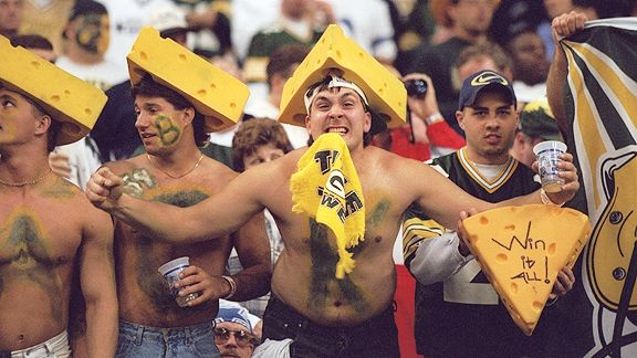 nfl_g_packers_fans1_576