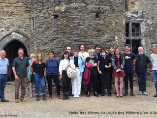 Des élèves du lycée des Métiers d'art d'Auray à la Cour de Launay