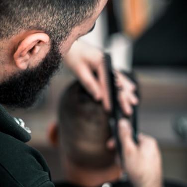 adult-barber-barbershop-1319462.jpg