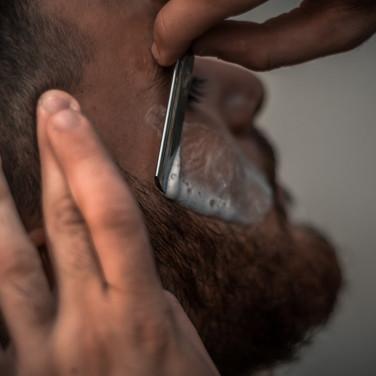 adult-barber-barbershop-1319461.jpg
