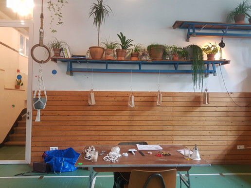 macramé plant hanger @midwest x @wildernis 18/07