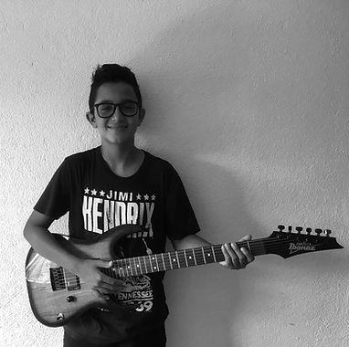 Pablo clases de musica_edited.jpg