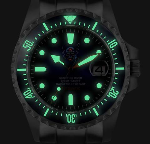 Orologio Il pirata delle immersioni 2.000 m, fluorescenza