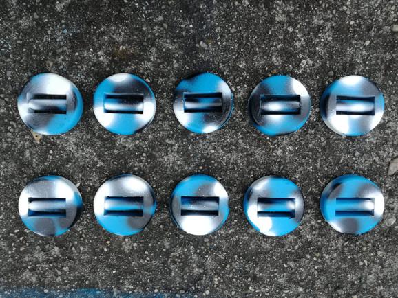 Piombi rotondi gommati mimetici blu Piombi da 0,5 Kg e 1 Kg ricoperti di gomma, mimetizzati blu, rotondi per non farli toccare tra loro, molto silenziosi