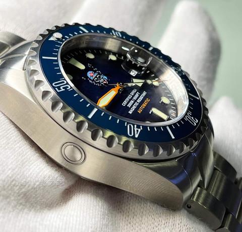 Orologio Il pirata delle immersioni 2.000 m, valvola espulsione elio
