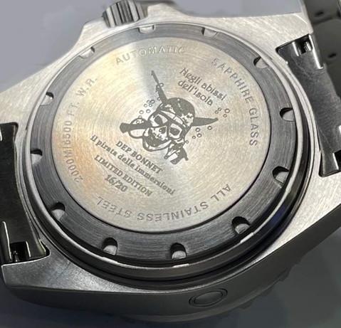 Orologio Il pirata delle immersioni 2.000 m, fondello