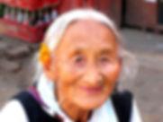 grand-mere-au-nepal-visoterra-30428.jpg