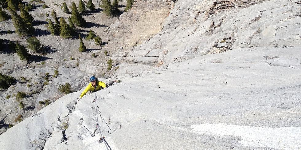 Multipitch rock climbing, guided rock climbing