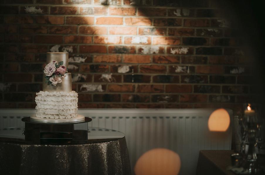 First Impression Wedding Design Cake Sta