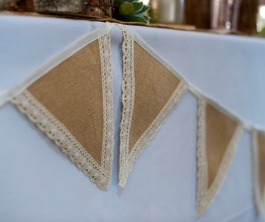 Hessian and Ivory Lace Bunting