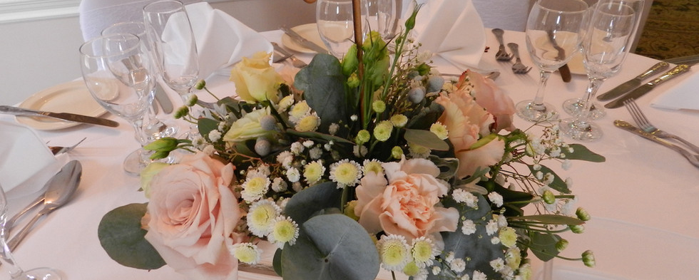 Small WoSoden Crate Floral Centrepiece