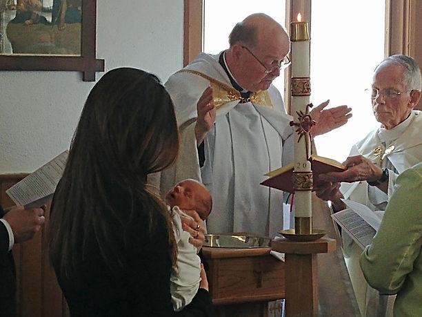baptism-thomas-enh-tn1600.jpg