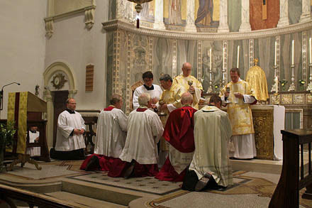 The Ordinariate Form of the Roman Rite: So Now That Makes Three Forms, Right?