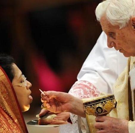 Holy Communion at an Ordinariate Parish
