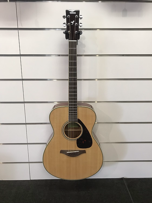 Yamaha FS820 Acoustic