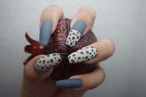 Snow Leopard, Matte w/ Gray Nails