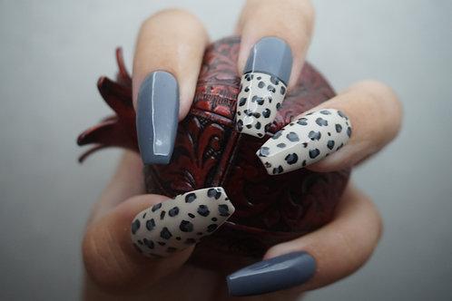 Snow Leopard, Glossy w/ Gray Nails