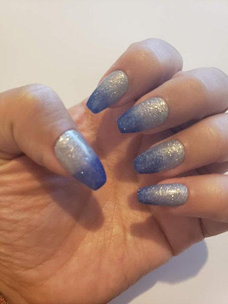 Glitter Blue to Glitter Silver