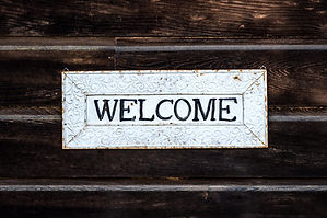 black-and-white-wooden-welcome-sign-3643