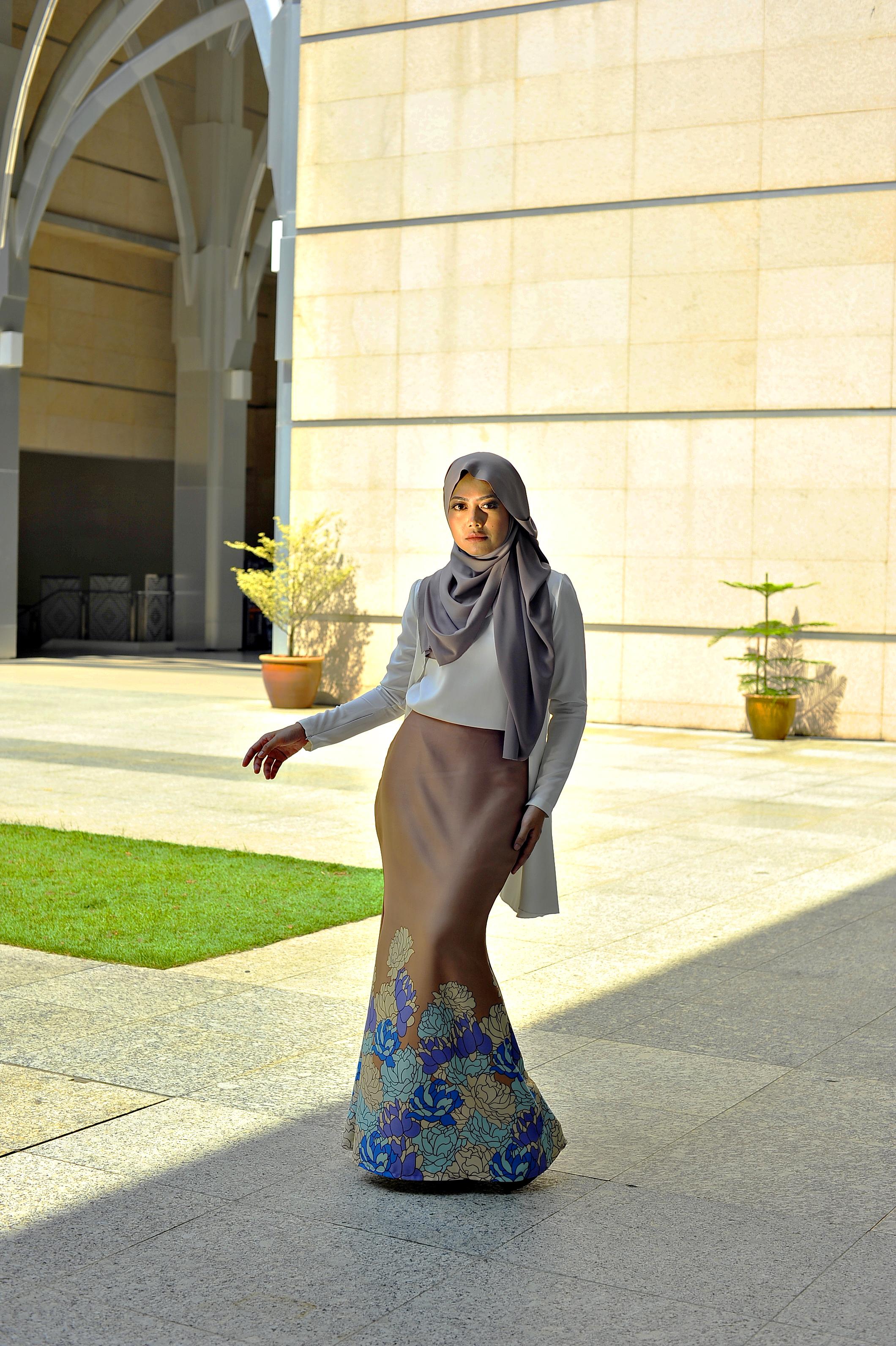 Batik_modern_mermaidskirt_zeelaleesa1