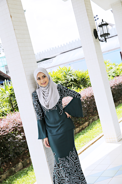 KurungKedah_mermaidskirt_shawl_zeelaleesa16