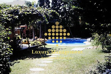 piscina marca de agua.jpg