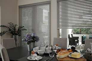 Rol-lite Venetian Blinds from Phillippa Kirby Soft Furnishings