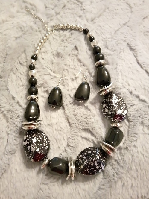 Onxy and silver earrings and necklace