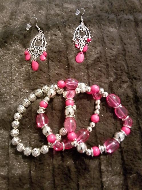 Pretty in pink bracelet and earrings set