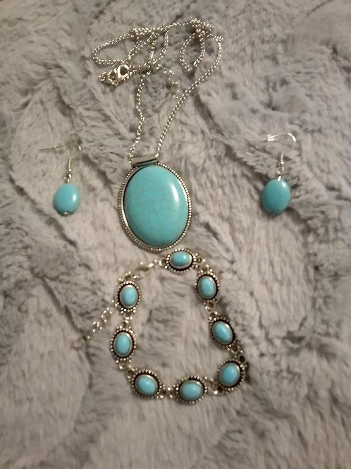 Turquoise stone set