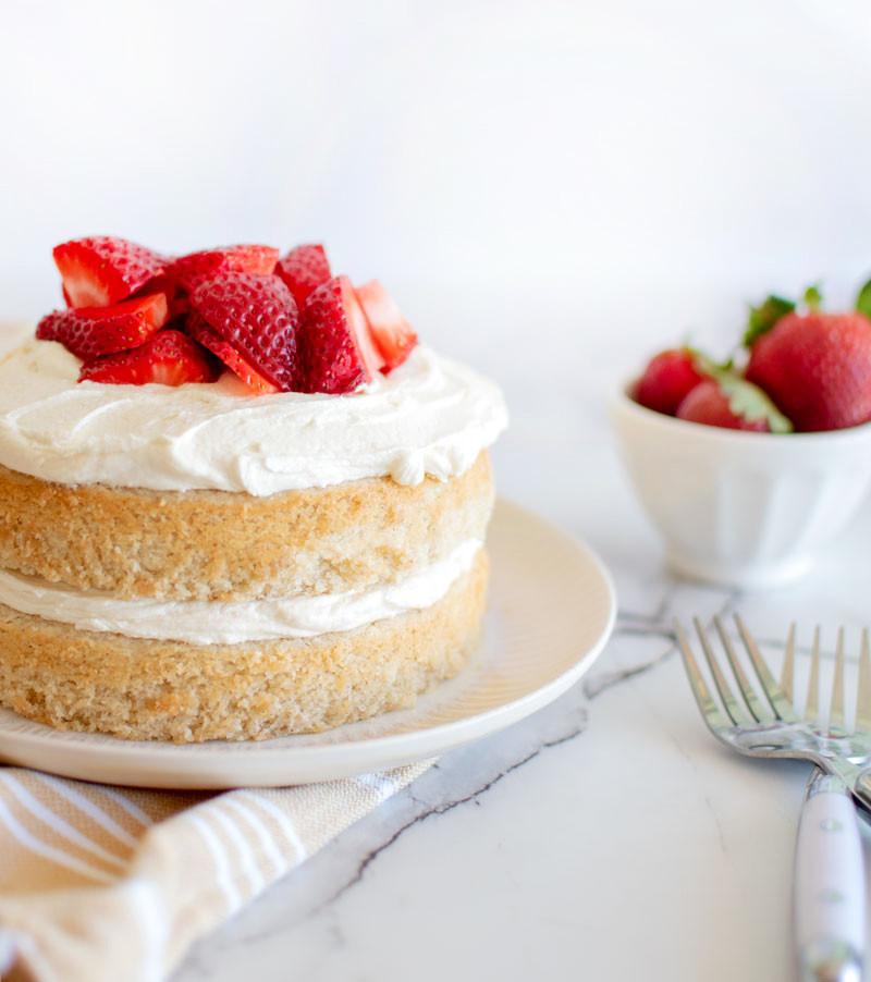 Eggless Strawberry Shortcake recipe, eggless cake, eggless birthday cake, eggless strawberry cake, gluten free cake, eggless gluten free cake, eggless high altitude cake recipe, high altitude baking #egglessbaking #strawberries #strawberryshortcake