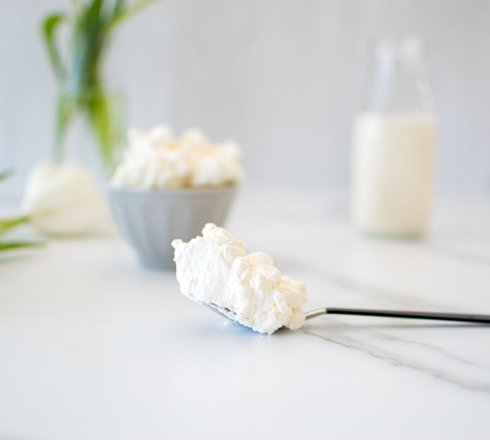 The best easy homemade whipped cream recipe. Easily make your own homemade whipped cream with just 3 simple ingredients at home! This step by step article explains the difference in whipped cream peaks and how to make soft peaks and stiff peaks. Top homemade whipped cream on pies, cakes, cupcakes, hot chocolates and more! The best whipped cream recipe using Organic Valley Heavy Whipping Cream. #organic #organicwhippedcream #homemadewhippedcream #whippedcream
