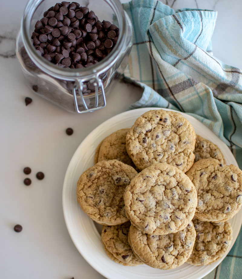 Best soft and chewy cookie recipe, chocolate chip, soft and chewy chocolate chip, caramel chocolate chip, chocolate chip cookies, sandwich cookies, caramel cookies, gluten free cookies #organic #organiccookies #glutenfree #chocolatechip #chocolatechipcookies #cookierecipe
