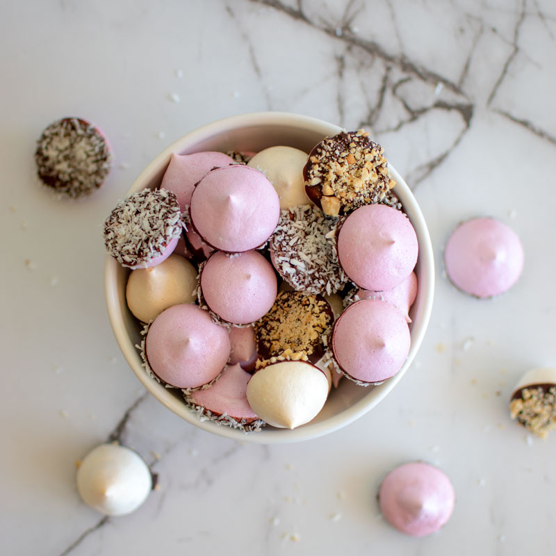 How to make easy meringue cookies, meringues, meringue cookies, valentine's day cookies, gluten free cookies, chocolate dipped meringues, high altitude meringues, high altitude cookies #meringues #organic #highaltitudebaking #valentinesdaycookies