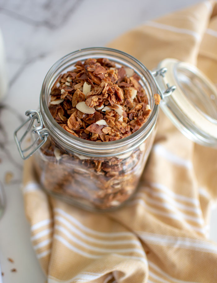 Easy recipe for homemade granola, homemade granola, easy homemade granola, maple honey nut granola, almond granola recipe, healthy granola recipe, gluten free granola recipe #maple #honeynut #granola #organic #granolarecipe #homemade #homemadegranola