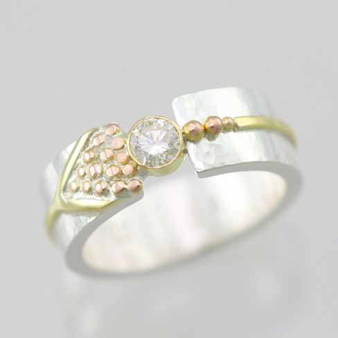 Asymmetrical Tension Ring